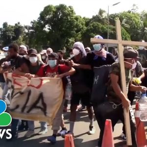 Over 2,000 Migrants From Southern Mexico City
